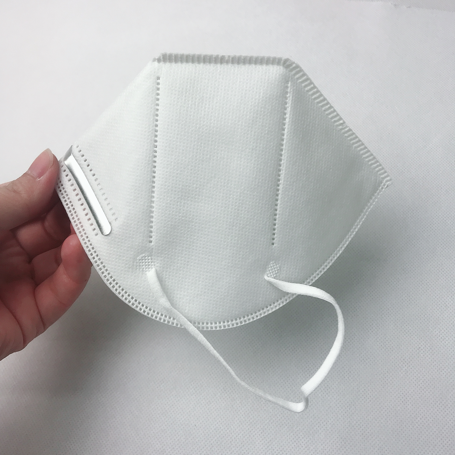 High Quality 5ply Disposable Non-Woven Kn95 Face Mask Earloop